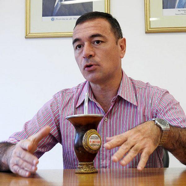 Walter Villalba discrimina a los médicos misioneros