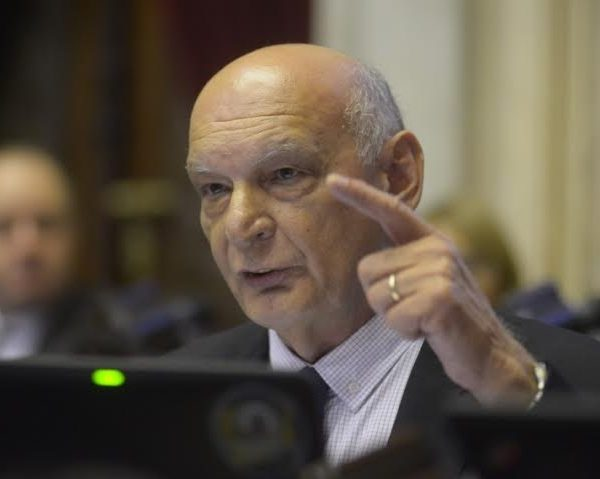 Pastori defendió los tarifazos de luz y gas y elogió a Aranguren