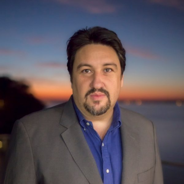 Closs se va como embajador a Brasil